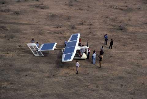 avion de energia solar challenger