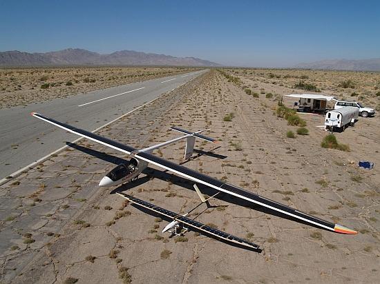 aviones con paneles solares